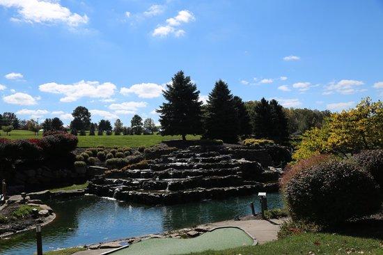 Falling Rock : Beautiful grounds!