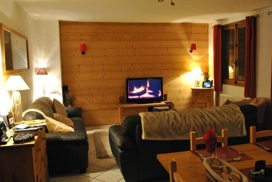 Chalet Madeleine: Lounge & Dining