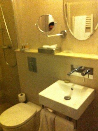 Circa 1905 : Banheiro com ammenities L'Occitane