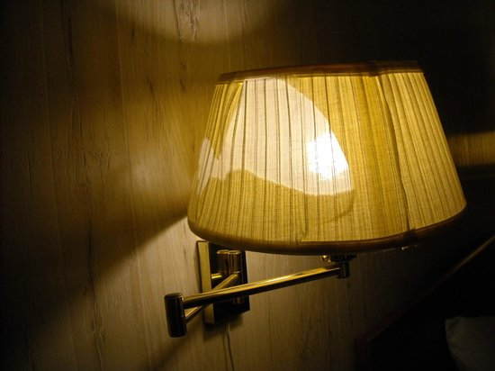 Wall Lamps Next To Bed : Another view of lamp next to the bed on wall - Picture of Inn Town Motel, Norway - TripAdvisor
