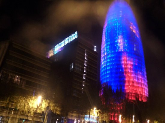 Novotel Barcelona City: torre agbar just across the hotel