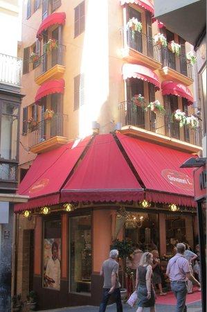 Hotel Cort: Магазин на площади Корт