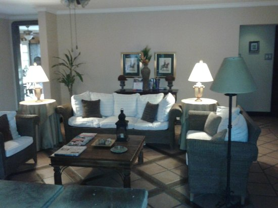 Hotel Los Robles : Sala