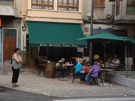 Bodega san antonio palma de mallorca restaurant reviews - Antonio palma ...