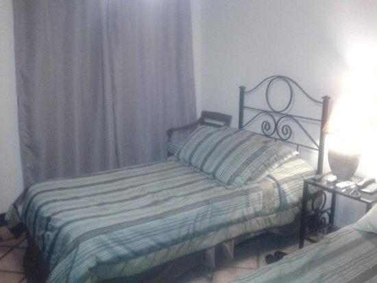 Hotel Los Robles: Habitacion