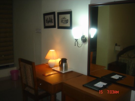 Hotel Lilawati Grand : Guest room