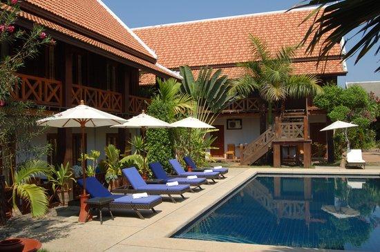 Muang Thong Hotel: Piscine