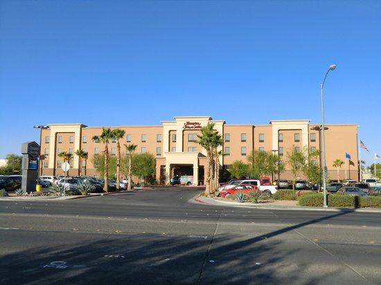 Hampton Inn & Suites Las Vegas Airport: Aussenansicht