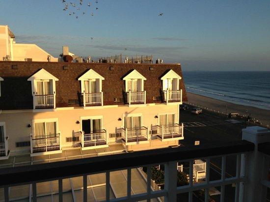 Nantasket Beach Resort: Partial Oceanview