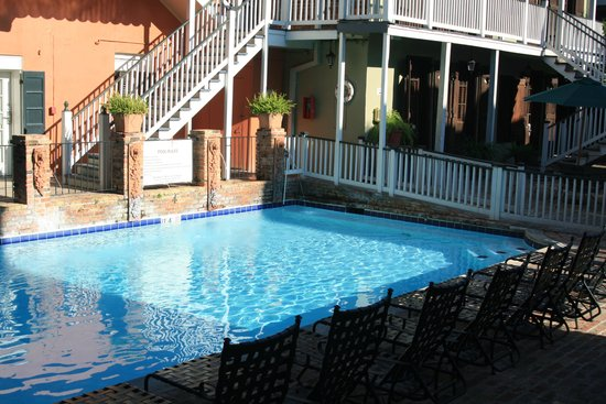 French Quarter Suites Hotel: pool
