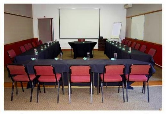 African Moon Corporate House: Conference Room African Moon