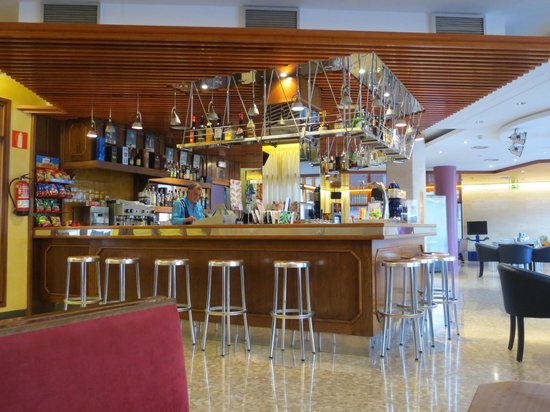 Aqua Hotel Bertran Park: bar