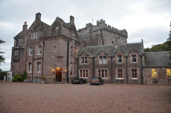 Comlongon Castle Hotel: Front entrance