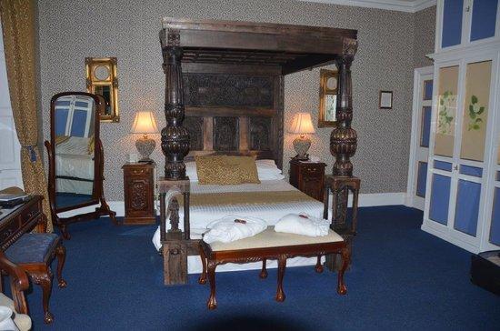 Comlongon Castle Hotel: Ruthwell Suite