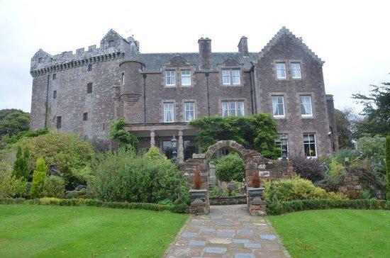 Comlongon Castle Hotel: Castle rear view