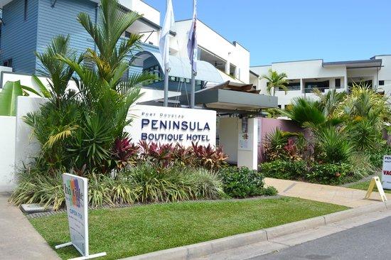 Peninsula Boutique Hotel: Outside of hotel