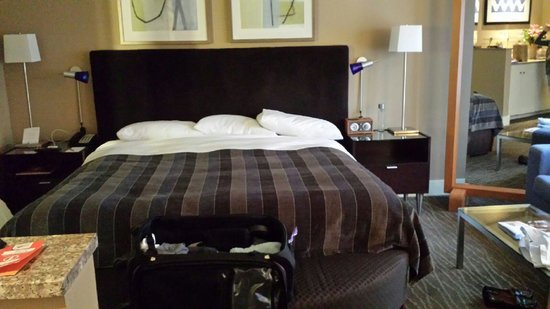Hotel Andra: Comfy, clean, clean room upon our arrival