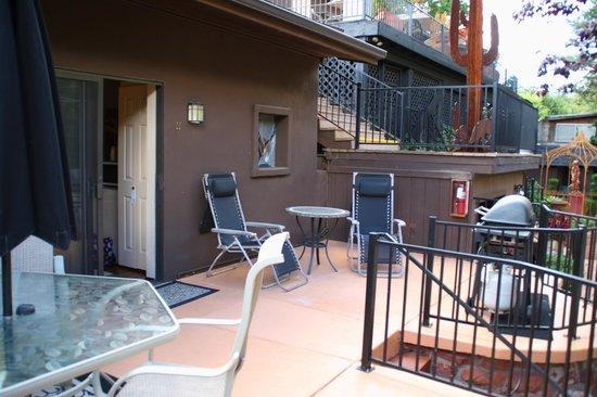 Oak Creek Terrace Resort: patio
