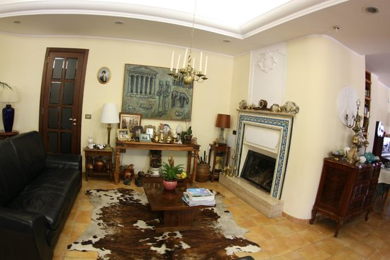 Hotel Villa Rita: Sitting room
