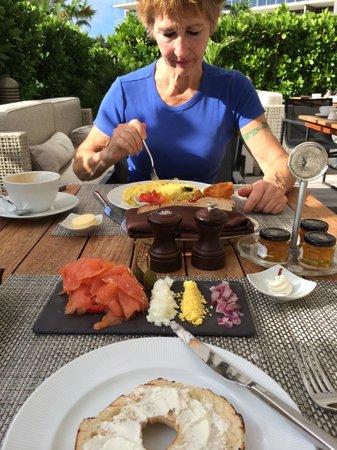 The St. Regis Bal Harbour Resort : Her Ladyship enjoying breakfast in the sunshine
