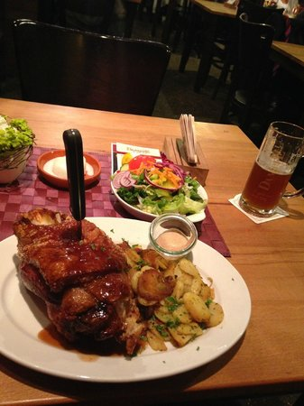 DAMPFE - das Borbecker Brauhaus: Great pork knuckle
