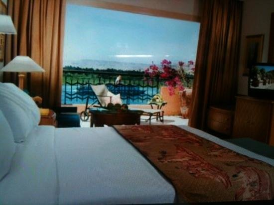 """Sonesta St. George Hotel Luxor: my """"room with a amazing view ,,valley of kings in distance ! ray"""
