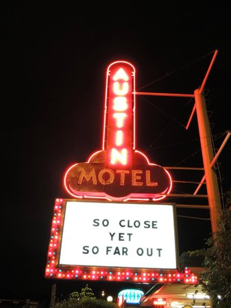 The awesome Austin Motel sign