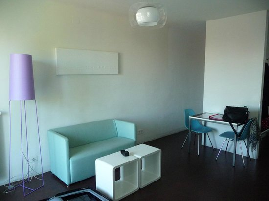 STANYS Das Apartmenthotel: Living room 2