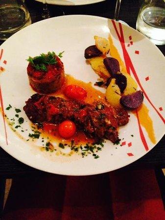 Au Petit College: patta negra, gratin d'aubergines et tomates confites