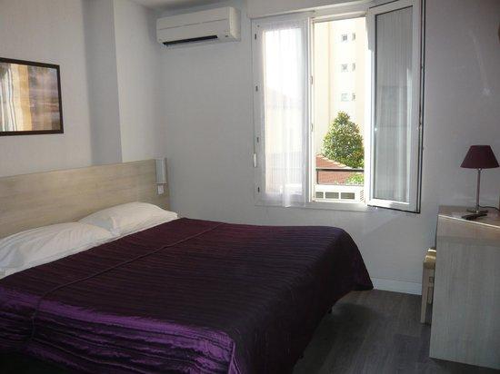 Hotel Parisien: chambre