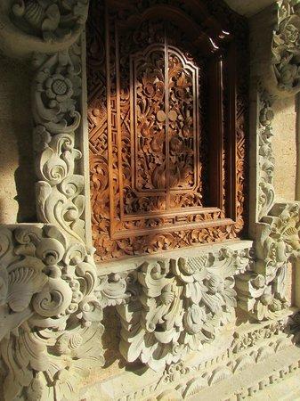 The Royal Pita Maha: Decorazioni