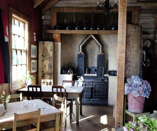 Fleurs Place: Fleur's Fireplace