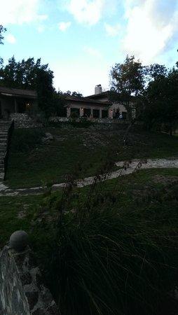 Escondida Resort : Outside dining area