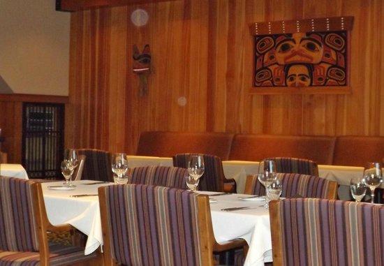 Gowlland Harbour Resort: West Coast cedar & first nations ambiance