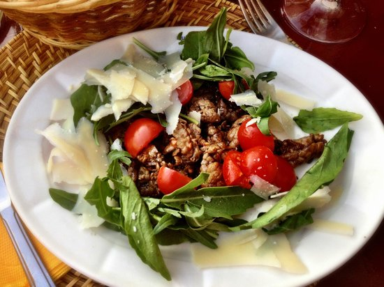 Pulalli Wine Bar: fresh salad