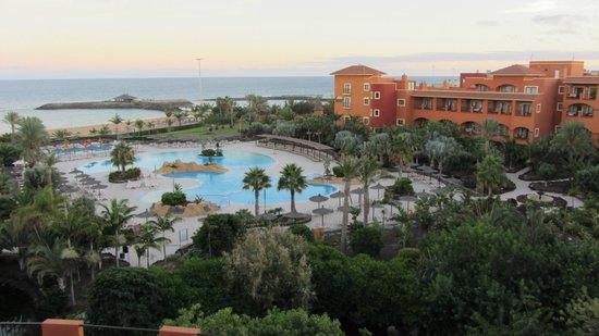 Sheraton Fuerteventura Beach, Golf & Spa Resort : Grounds view from 5th floor