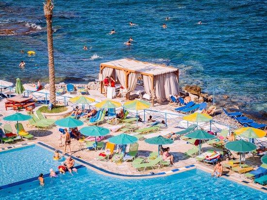 Eri Beach & Village: plaża