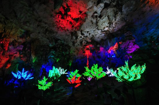 Yiling Cave Scenic Resort of Nanning: yiling cave