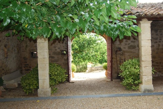 Les Trois Sources : View from inside the courtyard