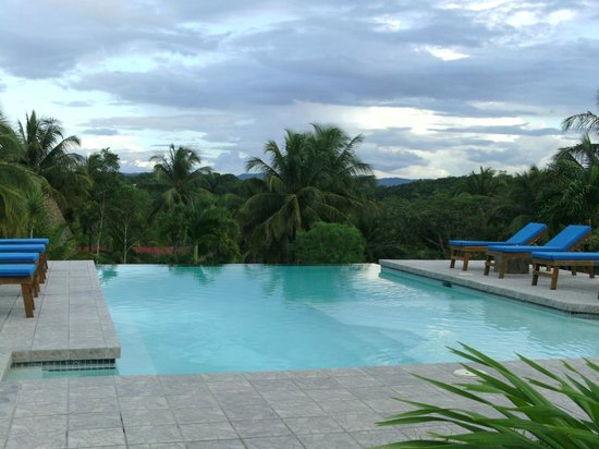 Windy Hill Resort: ENDLESS POOL