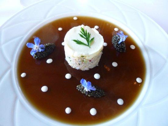 """Le Pavillon de la Grande Cascade: Emietté de tourteau... caviar """"kristal gold sélection"""""""