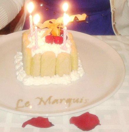 Le Marquis Restaurant: Mon desert de anniversaire