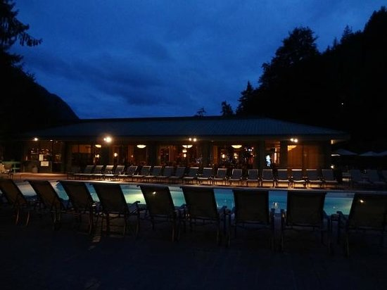 Harrison Hot Springs Resort & Spa: Second outdoor pool