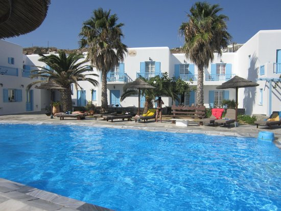 Hotel Lady Anna: Pool and hotel