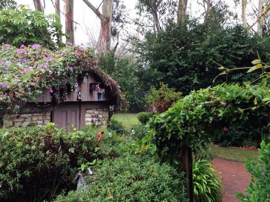 Kaleidoscope Inn: Stone cottage in the garden