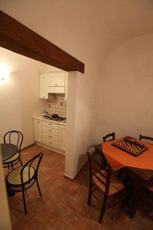 B&B da Peppe al Borgo : cucina e zona relax