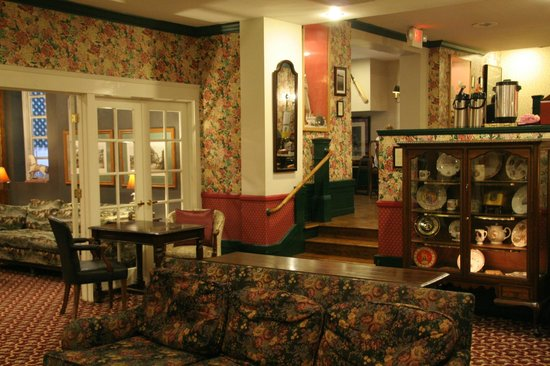 White Swan Inn: breakfast and wine reception area