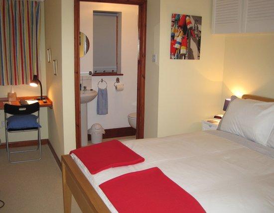 Mole Lodge Bed & Breakfast: Beach room