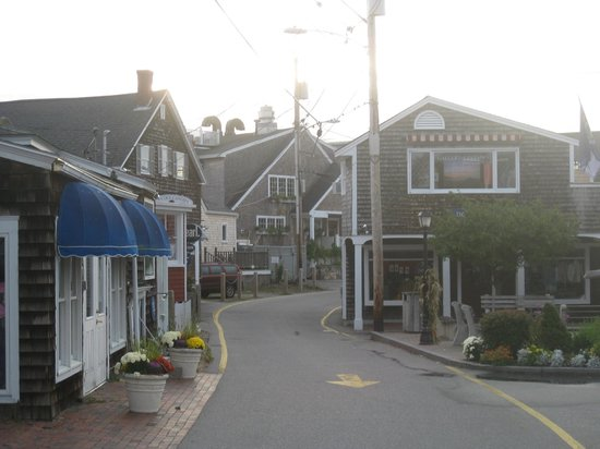 Parsons Post House Inn: Perkin's Cove at the end of 'The Marginal Way'