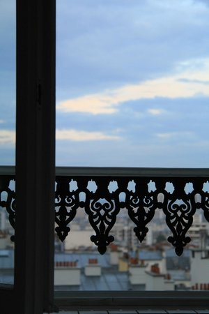 Ermitage Hotel Sacre-Coeur: lying in bed... waking up to that view...